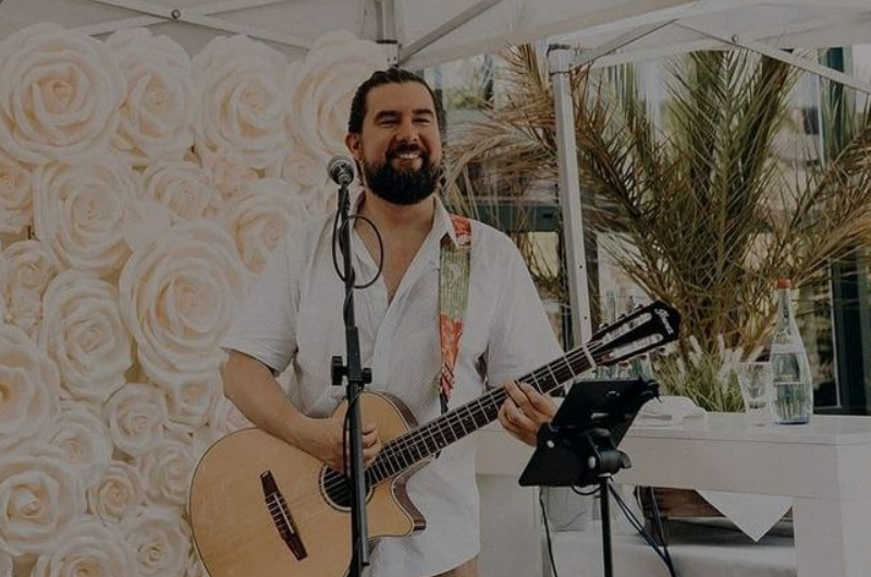 "Singer-Songwriter René Moreno: ""Corona-Maßnahmen hemmen meine Kreativität"""