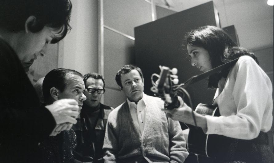 «How Sweet the Sound» – Doku über die Friedensaktivistin und Folk-Sängerin Joan Baez